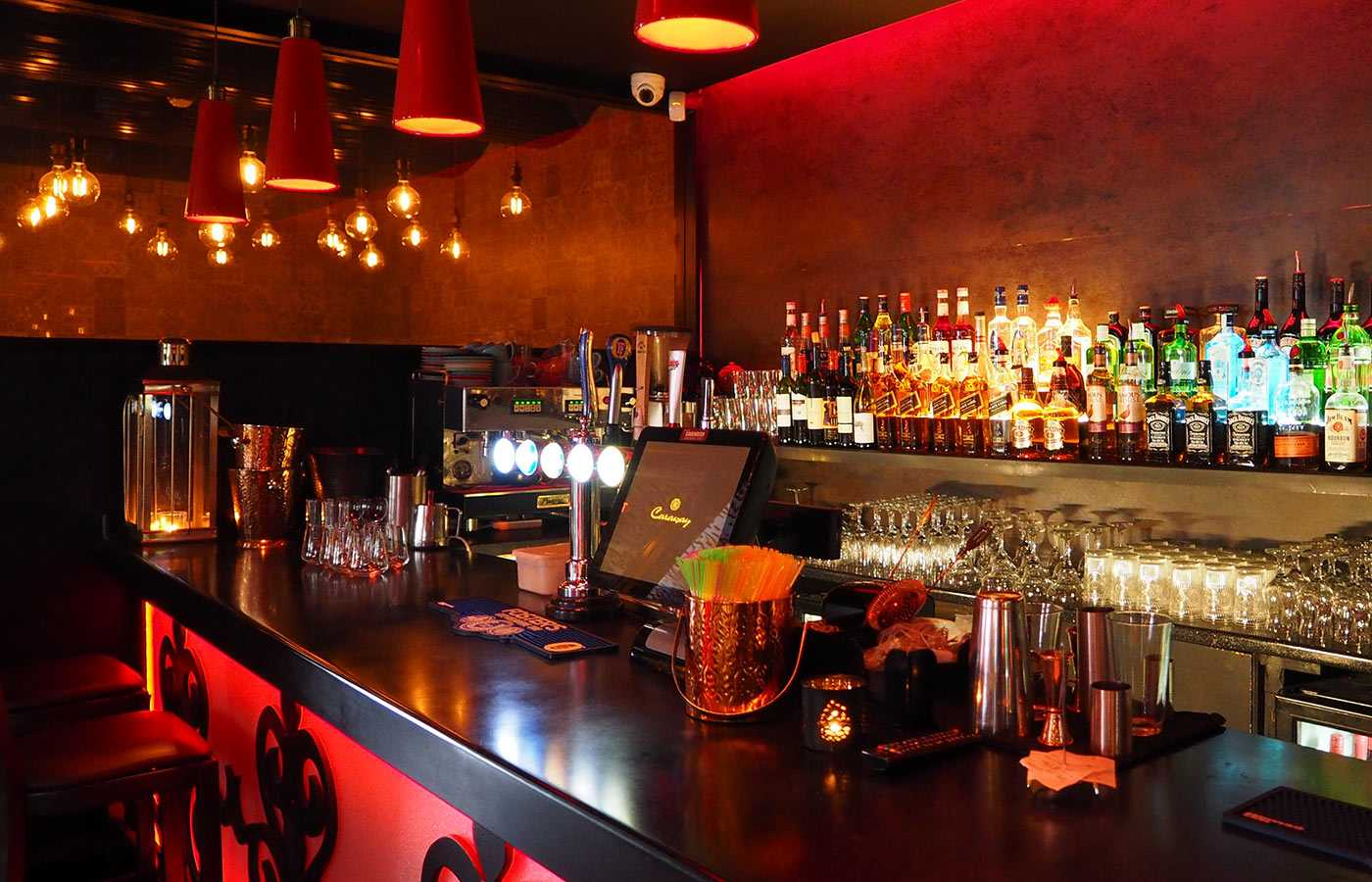 Alcohol-bar-restaurant